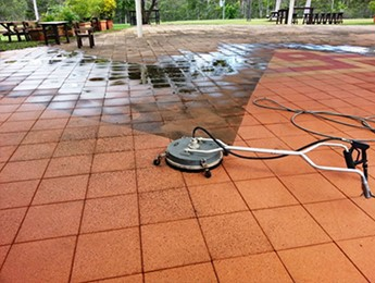Avondale Tavern concrete paver cleaning