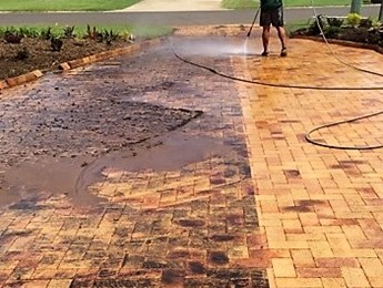 Pressure cleaning of a pavers and driveway