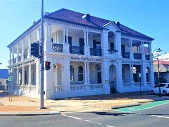 External cleaning of an iconic Bundaberg building